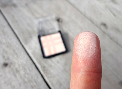Catrice highlighter swatch