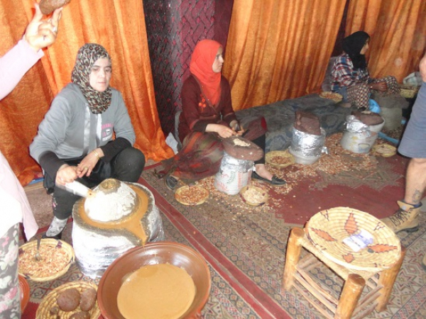 Argan olie maken in Marrakech