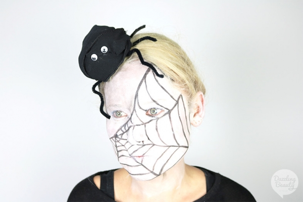 Spinnen make-up en kapsel tutorial voor Halloween!
